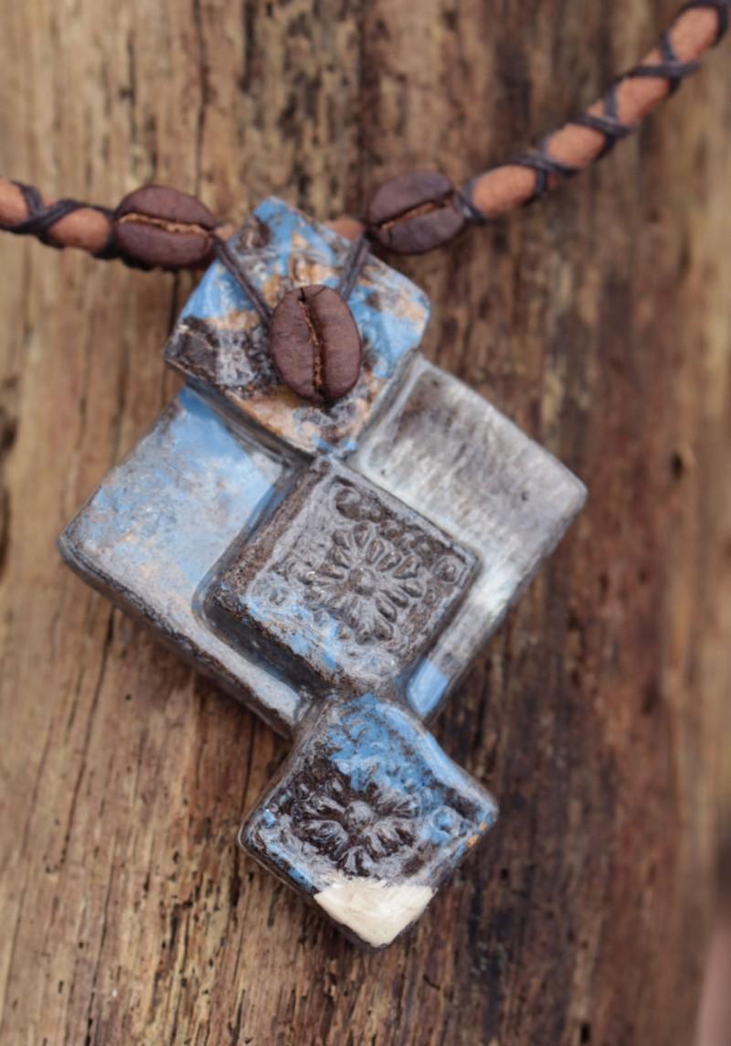 Pendentif en céramique